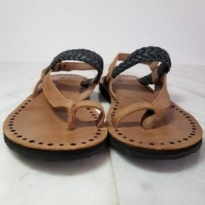 2cfe1c6223c UGG Raee Thong Sandal Braided Flats Black Brown 5